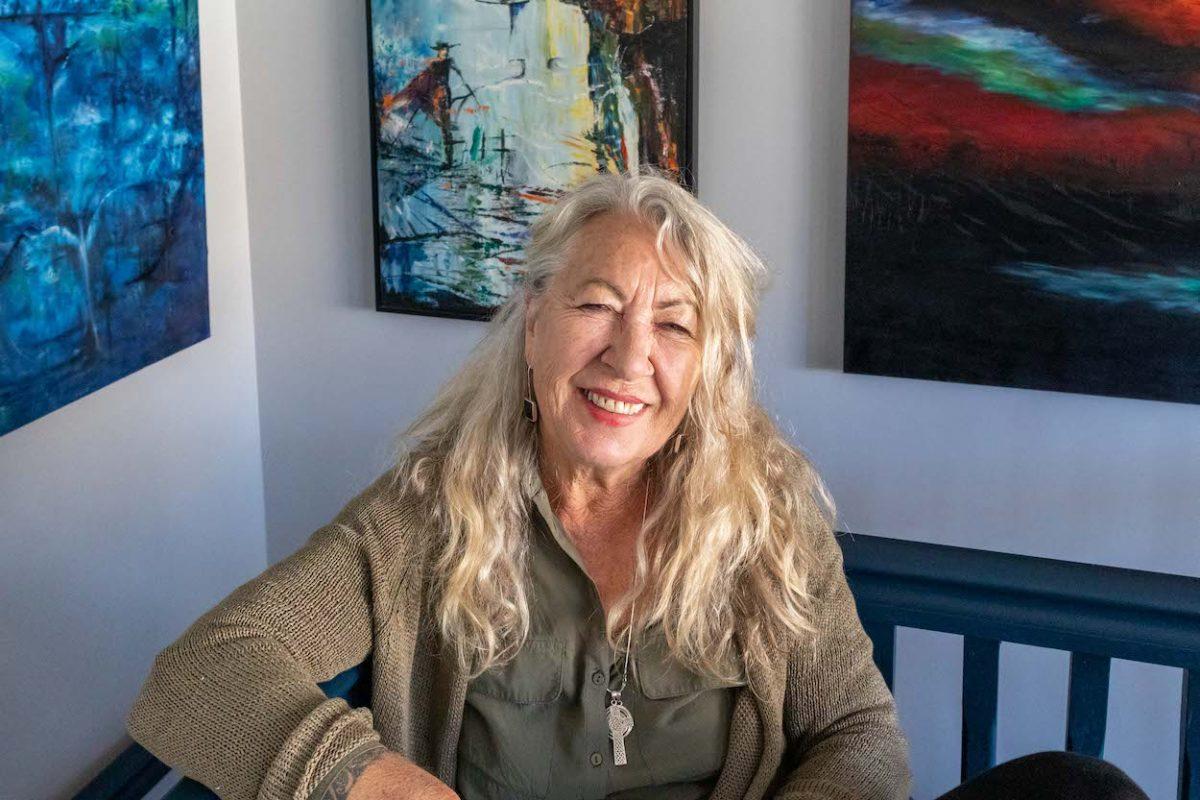 Artist Sue Hartly in Queenstown